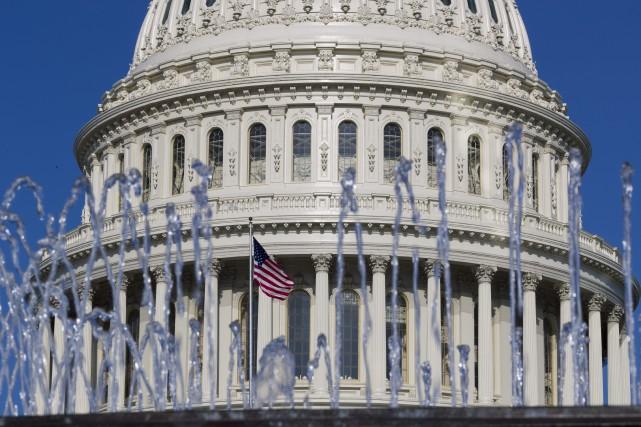 «Le renforcement du protectionnisme commercial est considéré par... (PHOTO ALEX BRANDON, AP)