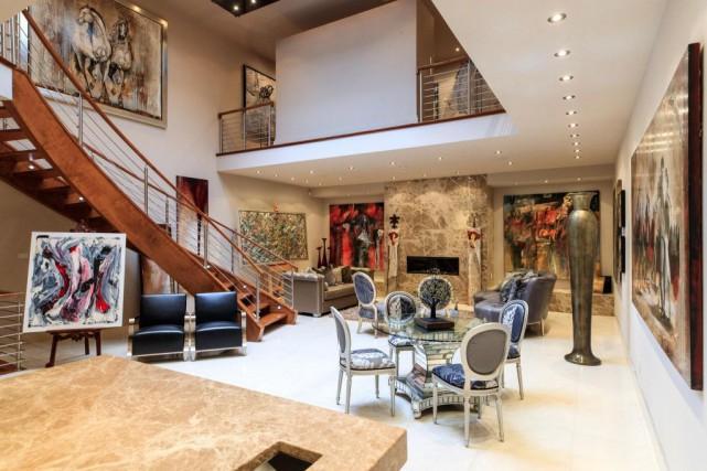 Une grande salle de réception permet aux clients... (PHOTO HUGO-SÉBASTIEN AUBERT, LA PRESSE)