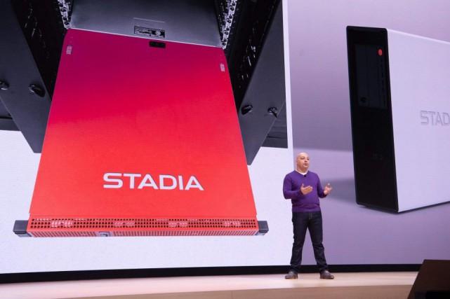 Majd Bakar, vice-président ingénierie chez Google, a présenté... (PHOTO JOSH EDELSON, ARCHIVES AGENCE FRANCE-PRESSE)