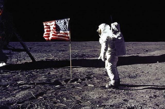 Retourner sur la Lune ou pas? Trump sème le doute