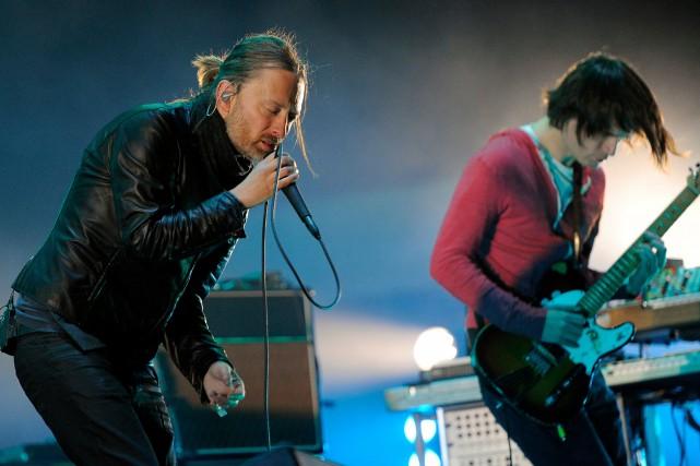 Thom Yorke et Jonny Greenwood de Radiohead lors... (PHOTO CHRIS PIZZELLO, ARCHIVES AP)