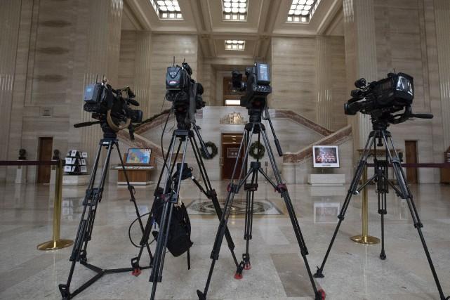Des caméras de télévision sont installées à la... (PHOTO FRED CHARTRAND, ARCHIVES LA PRESSE CANADIENNE)