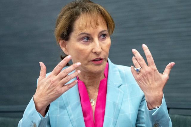 Ségolène Royal, ex-ministre déléguée à l'Enseignement scolaire en... (PHOTO RYAN REMIORZ, LA PRESSE CANADIENNE)