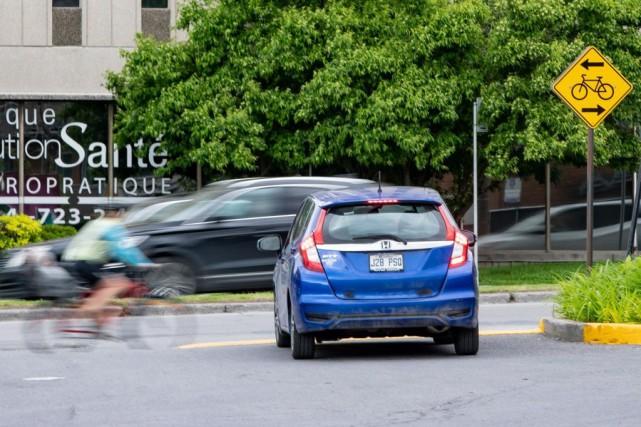 La piste cyclable de l'avenue Christophe-Colomb, à Montréal,... (PHOTO DAVID BOILY, LA PRESSE)