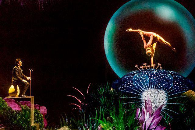 « Montréal Complètement Cirque, c'est un fabuleux voyage à travers des... (PER MORTEM ABRAHAMSEN)