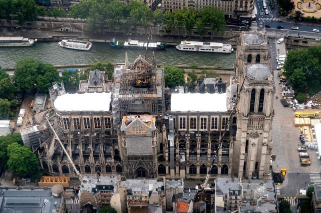 Des toits temporaires ont été installés sur la... (PHOTO LIONEL BONAVENTURE, ARCHIVES AGENCE FRANCE-PRESSE)