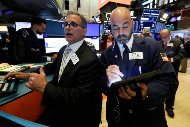 Wall Street a terminé en baisse vendredi, les inquiétudes sur l'économie... (PHOTO RICHARD DREW, ARCHIVES ASSOCIATED PRESS)