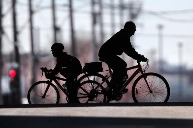 Relever que les déplacements à vélo sont rapides,... (PHOTO MARTIN CHAMBERLAND, ARCHIVES LA PRESSE)