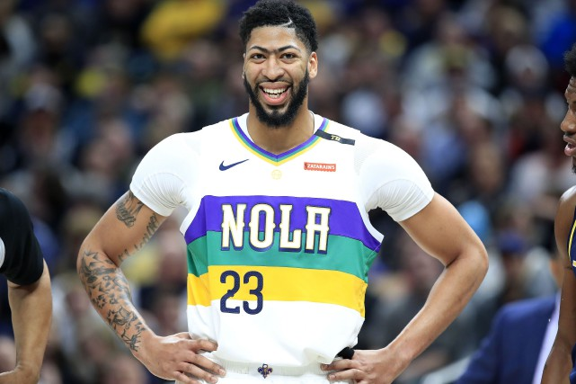 Les Lakers de Los Angeles  ont mis la main sur Anthony Davis, le joueur qui... (PHOTO ANDY LYONS, AFP)
