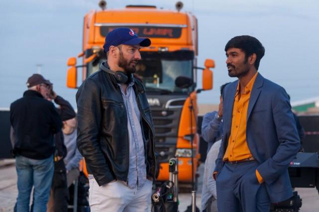 Ken Scott et Dhanush pendant le tournage de... (PHOTO FOURNIE PAR A-Z FILMS)
