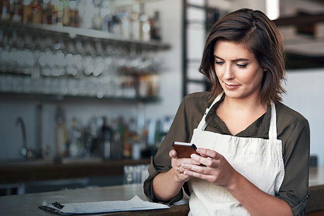 Lorsqu'on dirige une entreprise de services, la ligne est parfois floue entre «...