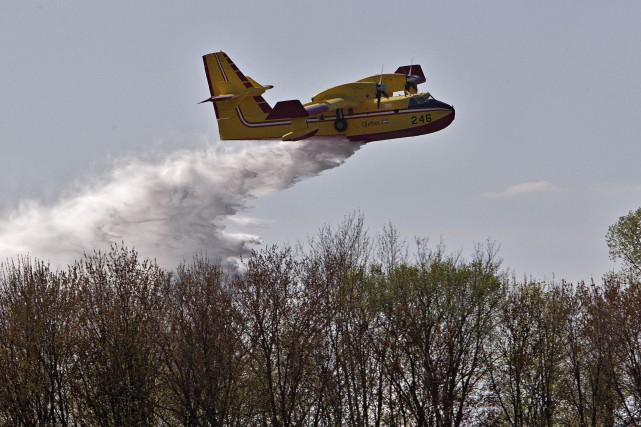 La Société de protection des forêts contre le feu (SOPFEU) fourbit ses armes,... (PHOTO PATRICK SANFACON, ARCHIVES LA PRESSE)
