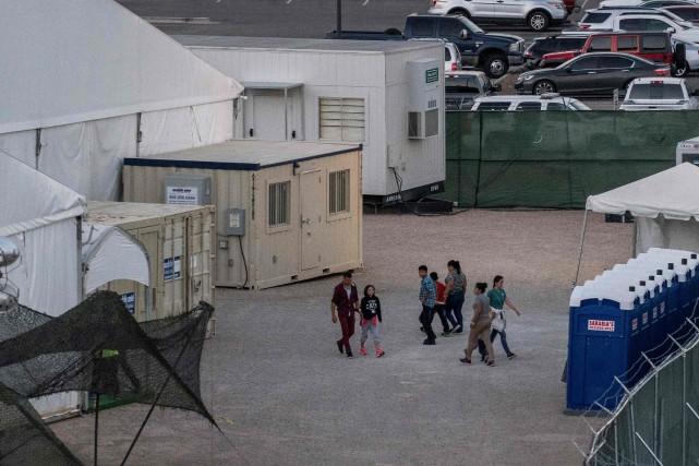 Le centre de détention de Clint, près d'El... (PHOTO PAUL RATJE, AGENCE FRANCE-PRESSE)