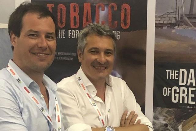 Guillaume Pitron et Jean-Louis Pérez à La Rochelle... (PHOTO TIRÉE DE FACEBOOK)