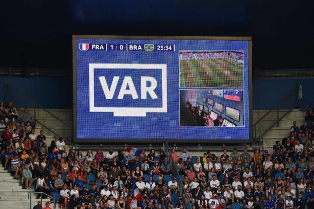 La reprise vidéo a semé la confusion à la Coupe du monde de soccer féminin. (PHOTO FRANCK FIFE, ARCHIVES AGENCE FRANCE-PRESSE)