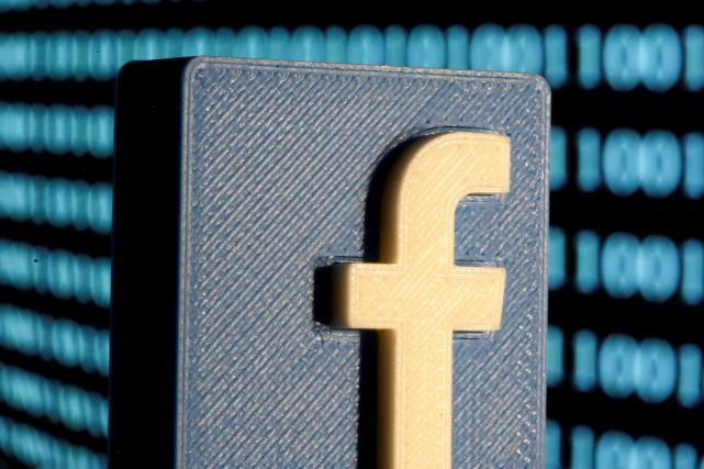 Facebook tentait mercredi de résoudre une panne empêchant... (PHOTO DADO RUVIC, ARCHIVES REUTERS)
