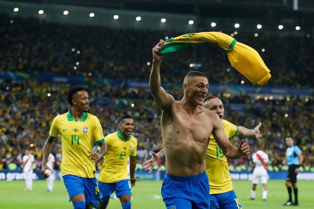 Le Brésil vient à bout du Pérou et gagne sa 9eCopa América