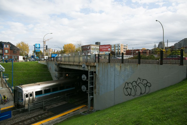 Les organismes liés aux transports collectifs dansla région montréalaise... (PHOTO MARTIN TREMBLAY, ARCHIVES LA PRESSE)