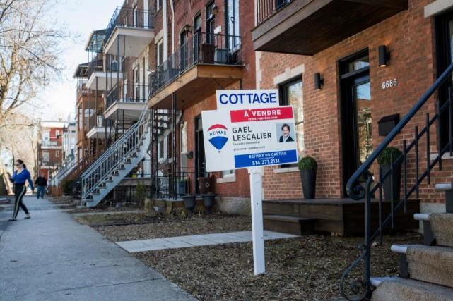 La pression sur les prix des maisons et... (PHOTO MARCO CAMPANOZZI, ARCHIVES LA PRESSE)