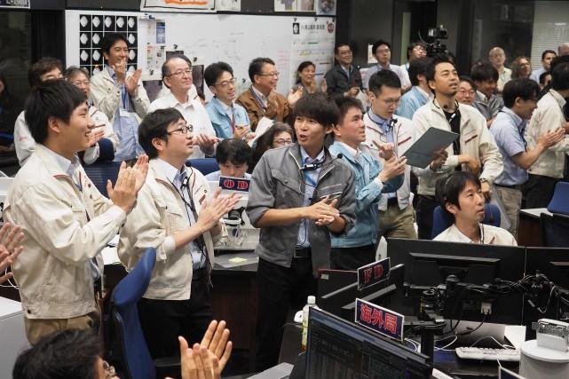 La nouvelle a été accueillie par des applaudissements... (PHOTO AFP)
