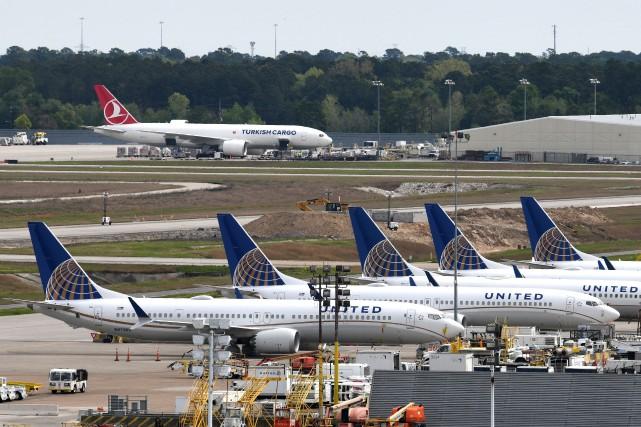 Les Boeing737 MAX de United Airlines sont cloués... (PHOTO LOREN ELLIOTT, ARCHIVES REUTERS)