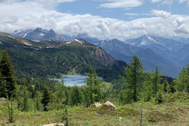 Dans le parc national de Banff, le mont... (PHOTO JOËL-DENISBELLAVANCE, LA PRESSE)