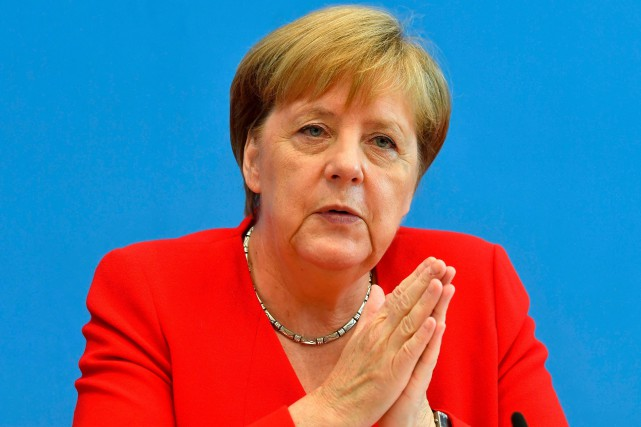 Tweets racistes: Merkel fait la leçon à Trump
