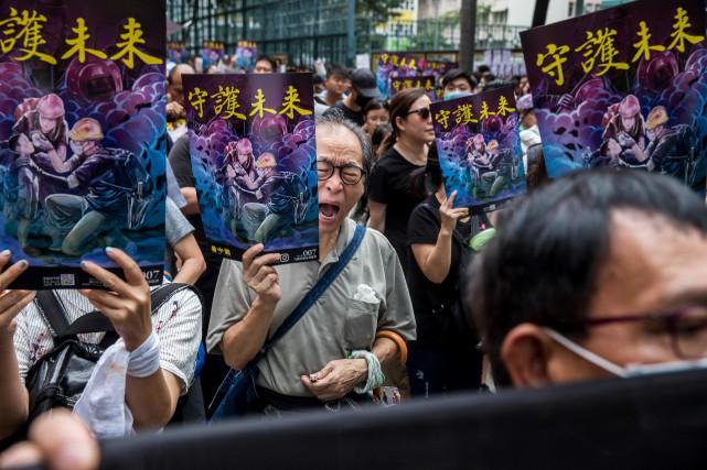 Les contestataires de nouveau dans la rue à Hong Kong