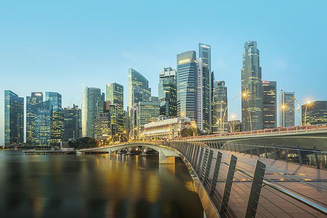 À peine plus grande que Montréal et Laval réunies, Singapour lutte depuis...