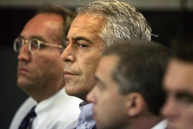 Le FBI ouvre une enquête sur le suicide de Jeffrey Epstein