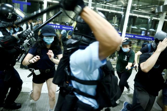 Manifestations prodémocratie à Hong Kong: Pékin dénonce des actes «quasi terroristes»