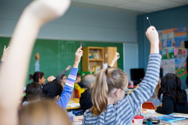 Signes religieux: la CSQ donne raison aux écoles