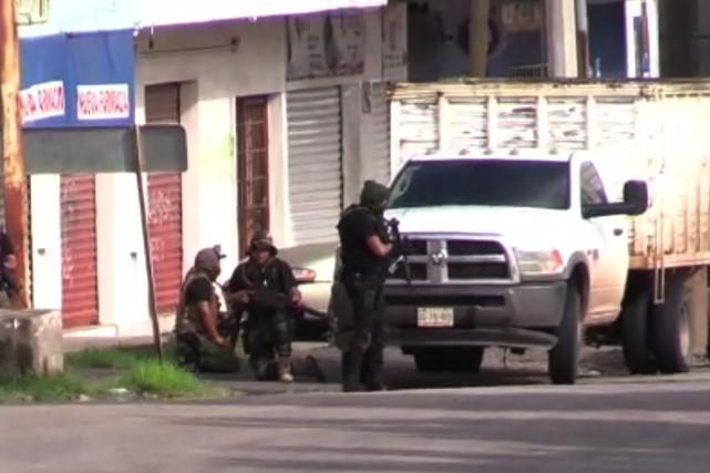 Mexique: violents affrontements armés dans le fief d'El Chapo