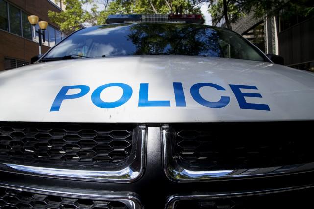 Porte-à-porte dans l'Ouest-de-l'Île : suspects recherchés pour fraude
