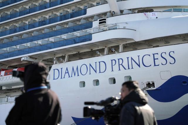 Six nouveaux cas de coronavirus sur le bateau de croisière en quarantaine au Japon