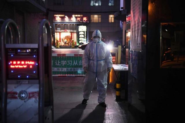COVID-19: d'épidémie à pandémie, quelle différence?