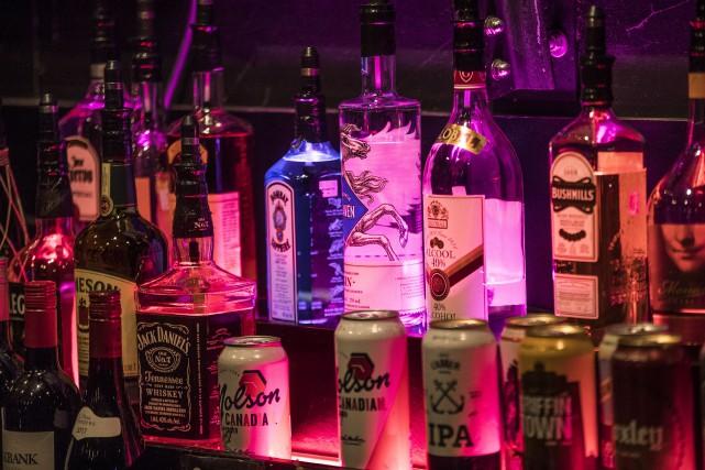 Promotion de l'alcool: un groupe réclame plus d'encadrement