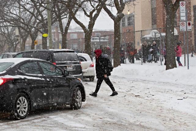 Sécurité routière en zone scolaire: «Je ne laisserais pas mon enfant traverser ici»