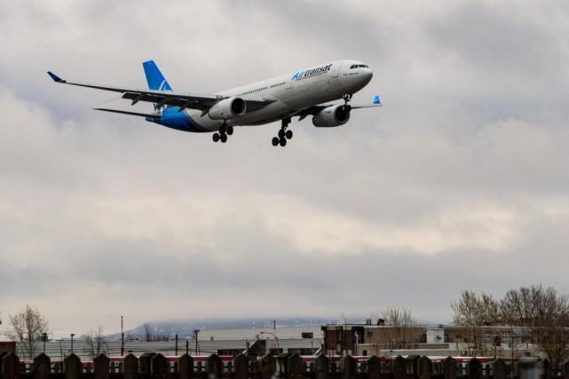 Coronavirus: Transat et AirCanada assouplissent leurs politiques de réservation
