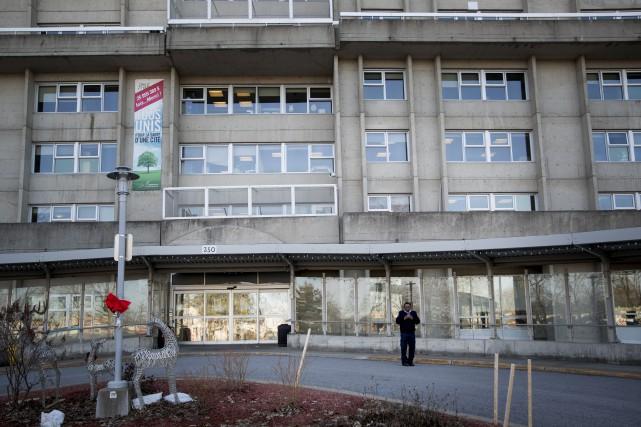 COVID-19: 105 cas dans un CHSLD de Laval