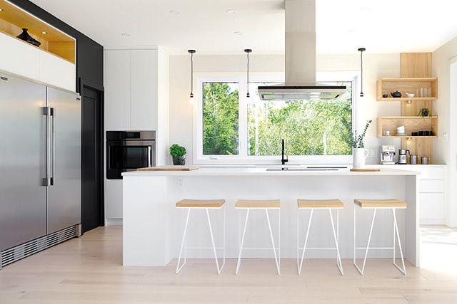 Point de ralliement de la maisonnée, la cuisine d'aujourd'hui est l'espace de... (CRÉDIT PHOTO : MIRALIS | © DESIGN : ARMOIRES DISTINCTION)