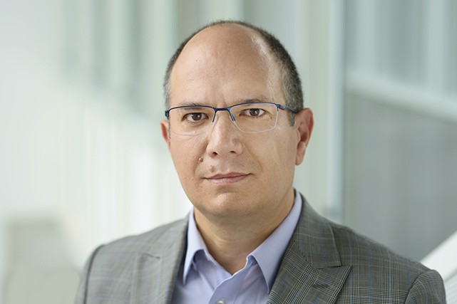 Luis Cisneros, professeur titulaire au Département d'entrepreneuriat et...