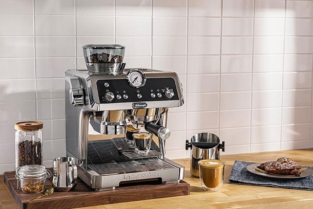 Certains élèvent la préparation du café à celui de véritable art. C'est le cas...