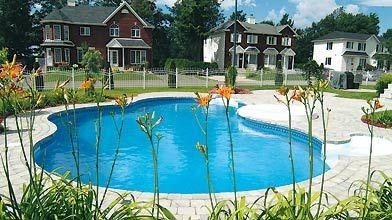 La tendance est au combo spa/piscine creusée, comme...