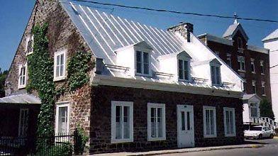 La Maison Hertel-de-la-Fresnière a été construite entre 1824...