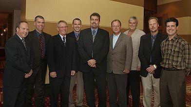 Le comité exécutif de l'APCHQ 2005-2006. De gauche...