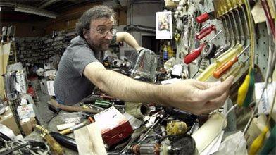 Daniel Jean, dans l'antre de son atelier de...