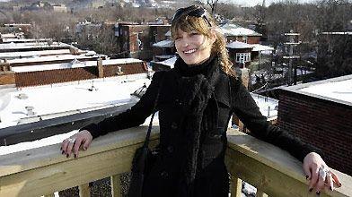 Marie-Aude Doyon négocie l'achat d'un appartement dans un... (Photo Robert Mailloux, La Presse)