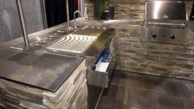 Au Salon national de l'habitation, cette cuisine extérieure...