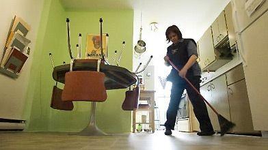 Dans la maison, la poussière est surtout composée...
